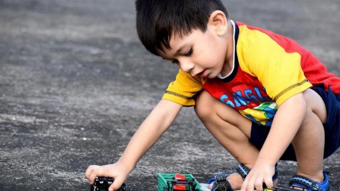 Trik Psikolog Agar Anak Gak Gampang Bosan #DiRumahAja