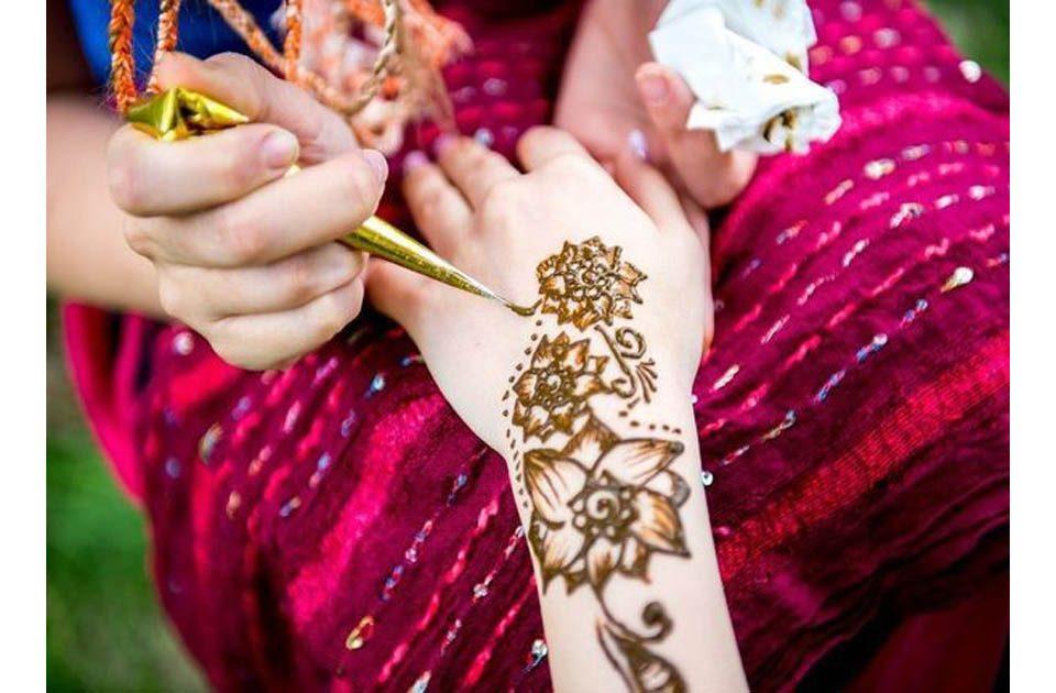 Fakta Henna yang Sering Dipakai untuk Idulfitri, Apakah Aman